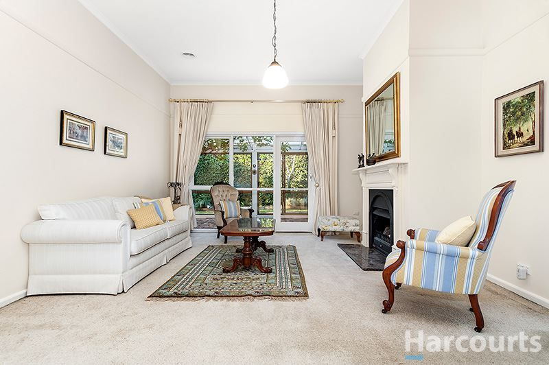 262 Lawrence Road, Mount Waverley VIC 3149, Image 2