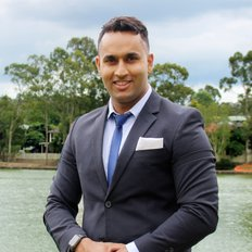 Eddie Singh, Sales representative