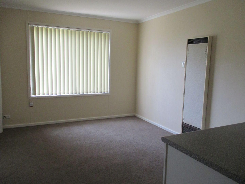 72 Molong Street, Condobolin NSW 2877, Image 2