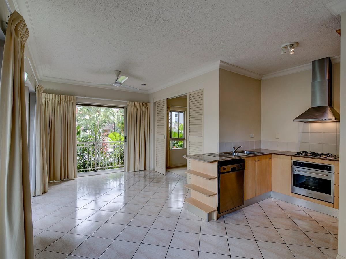 1207/2 Greenslopes Street, Cairns North QLD 4870, Image 2