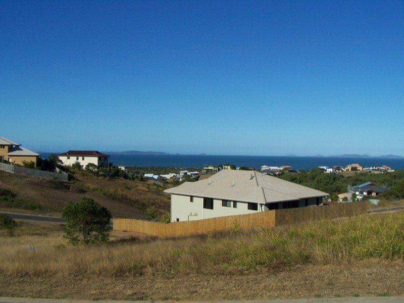 25 Fraser Crescent, Pacific Heights QLD 4703, Image 1
