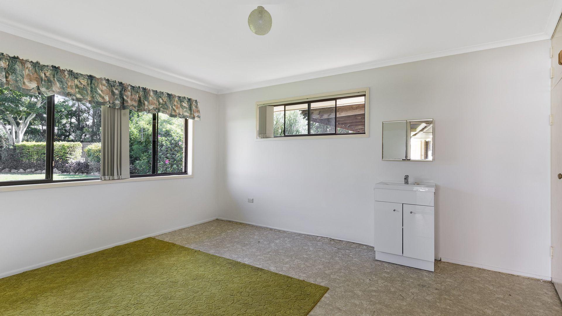 12 Valantine Road, Birkdale QLD 4159, Image 1