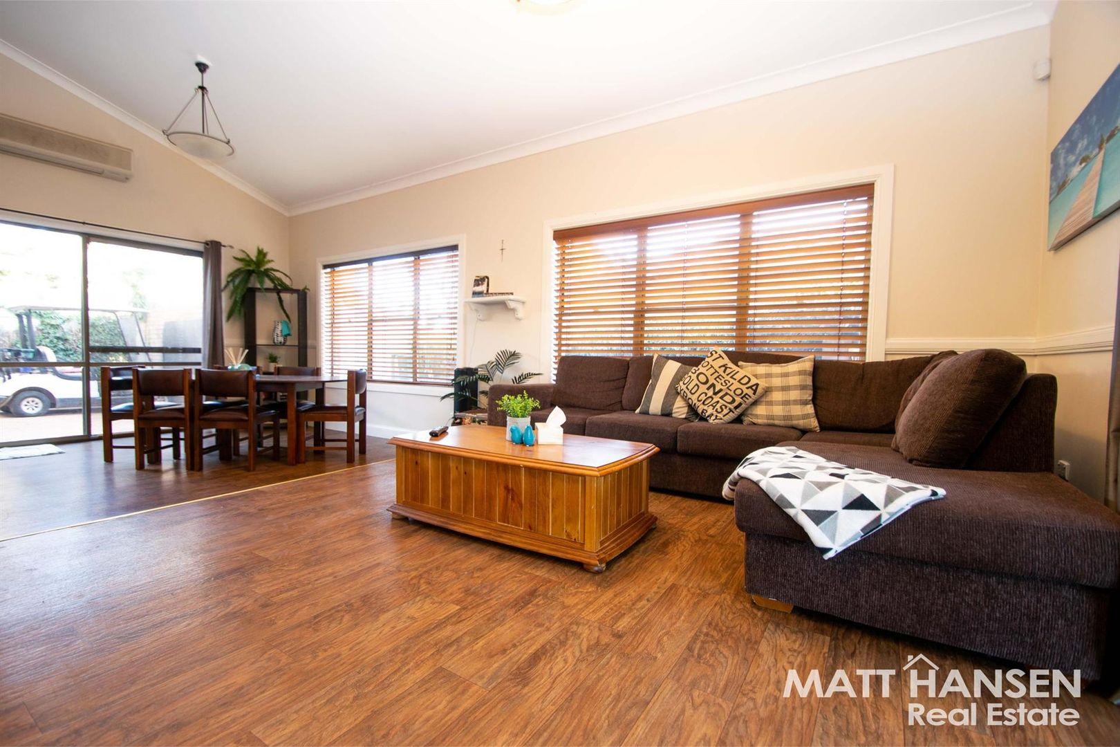11 Hazelwood Drive, Dubbo NSW 2830, Image 1