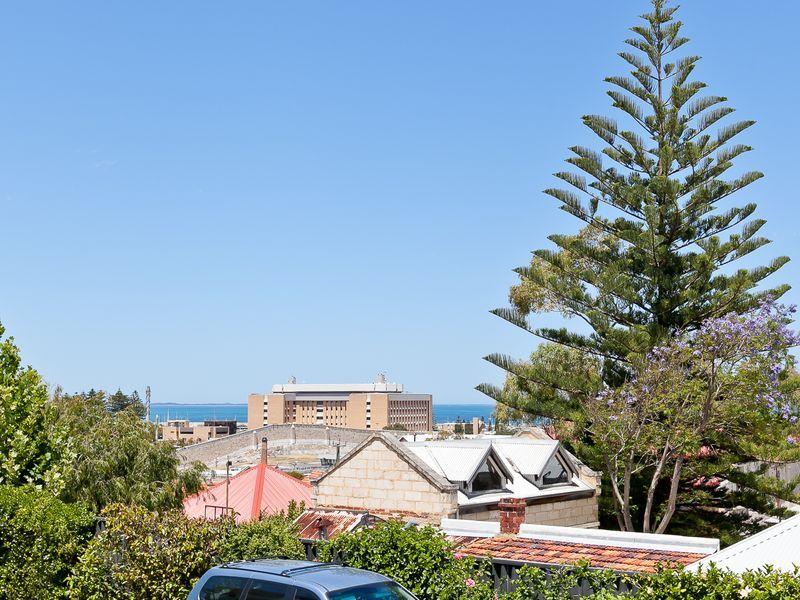 13/5 Knutsford Street, Fremantle WA 6160, Image 0