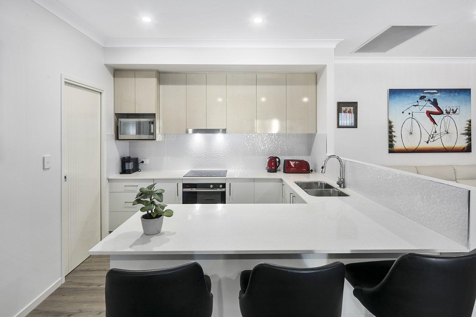 2/6 Joshua Place, Redland Bay QLD 4165, Image 1
