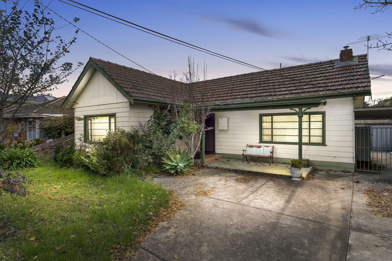 7 Surrey Crescent, Oakleigh East VIC 3166, Image 0
