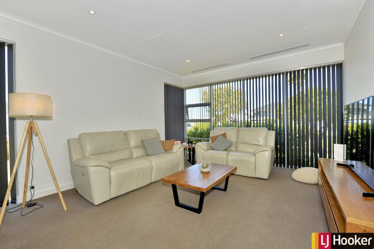 3 Impressa Way, Halls Head WA 6210, Image 2