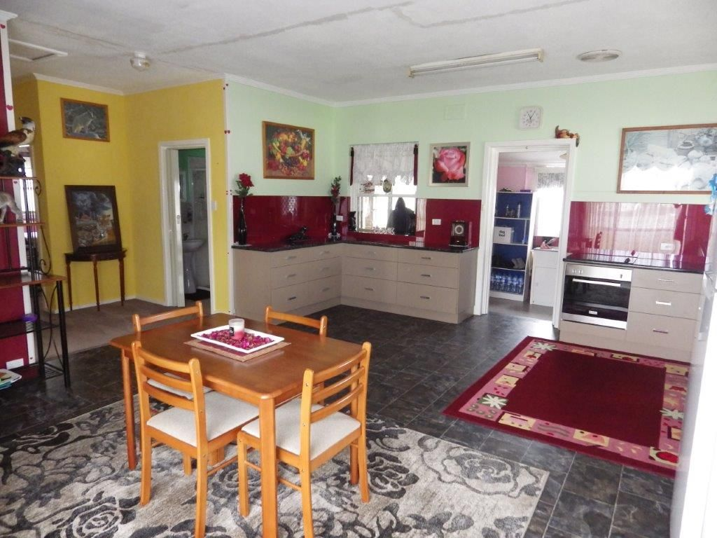 22 Williams Road, Millicent SA 5280, Image 2