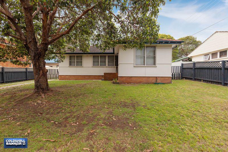 65 Brallos Avenue, Holsworthy NSW 2173, Image 2
