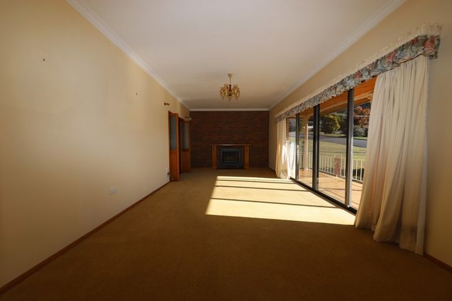 Picture of 15 Ash Street, BATLOW NSW 2730