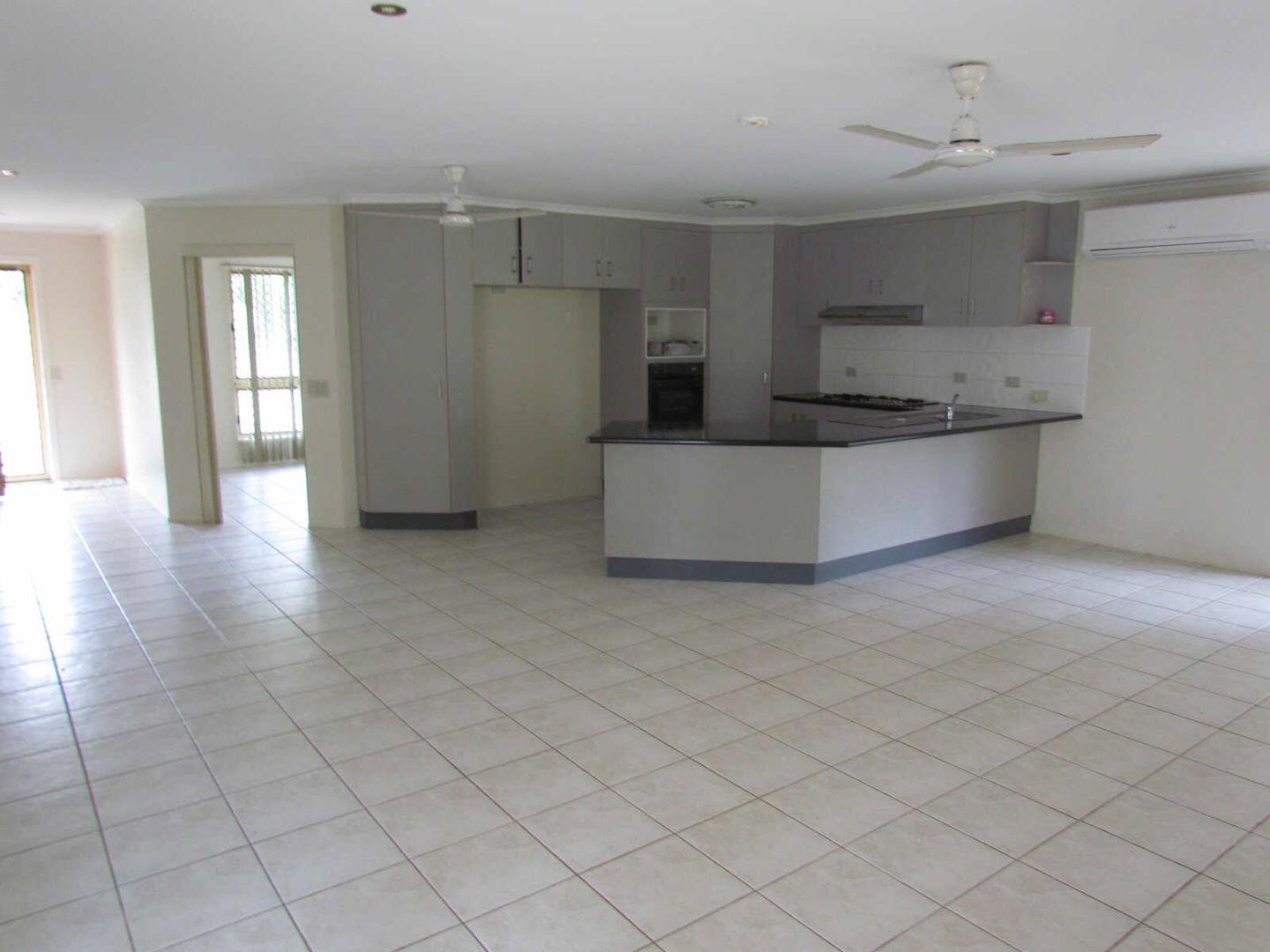 28 MURPHY ST, Seaforth QLD 4741, Image 2