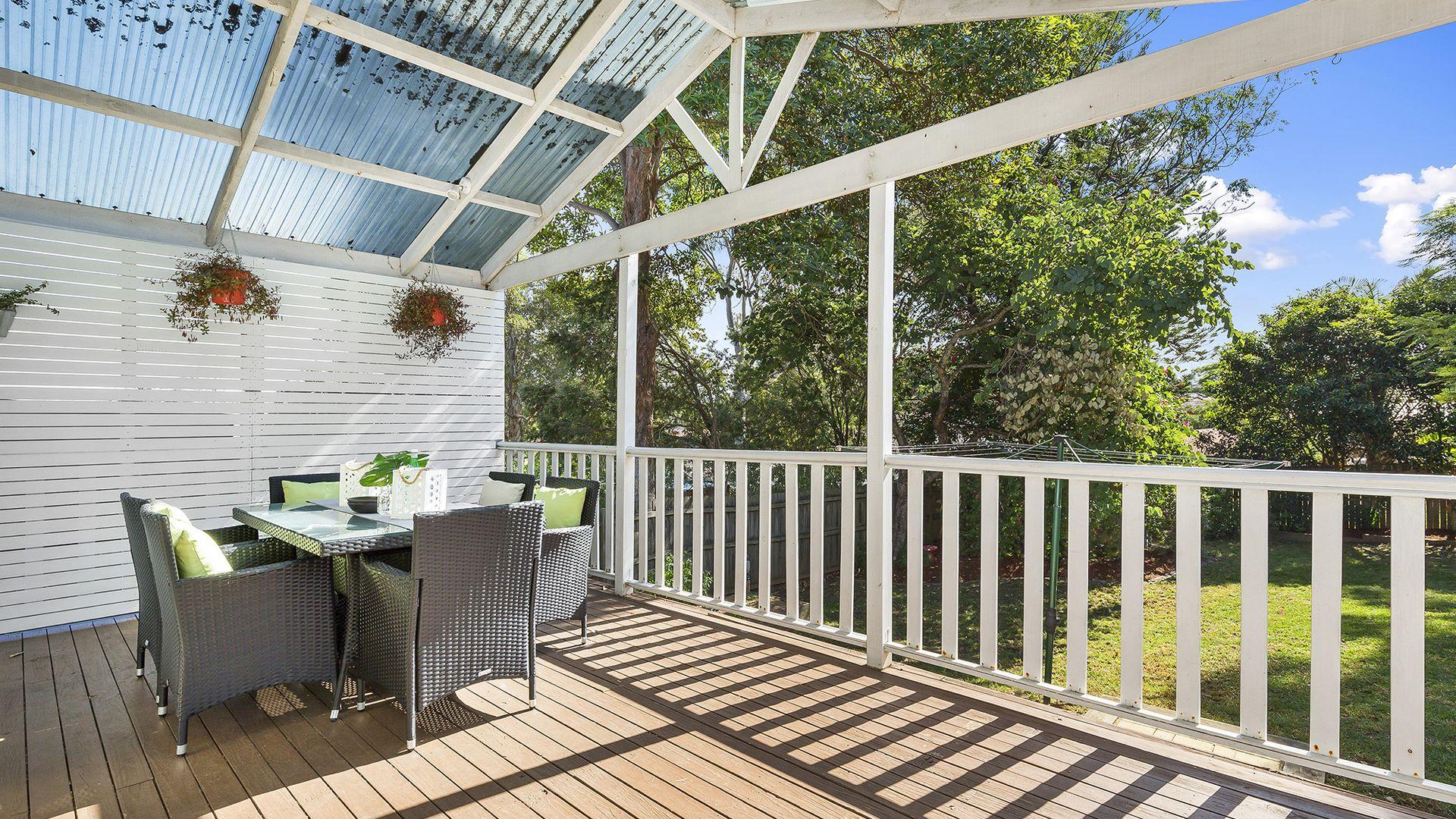 7 Livingstone, Baulkham Hills NSW 2153, Image 2