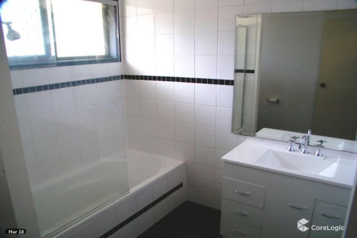 29 Burrinjuck Drive, Coombabah QLD 4216, Image 2