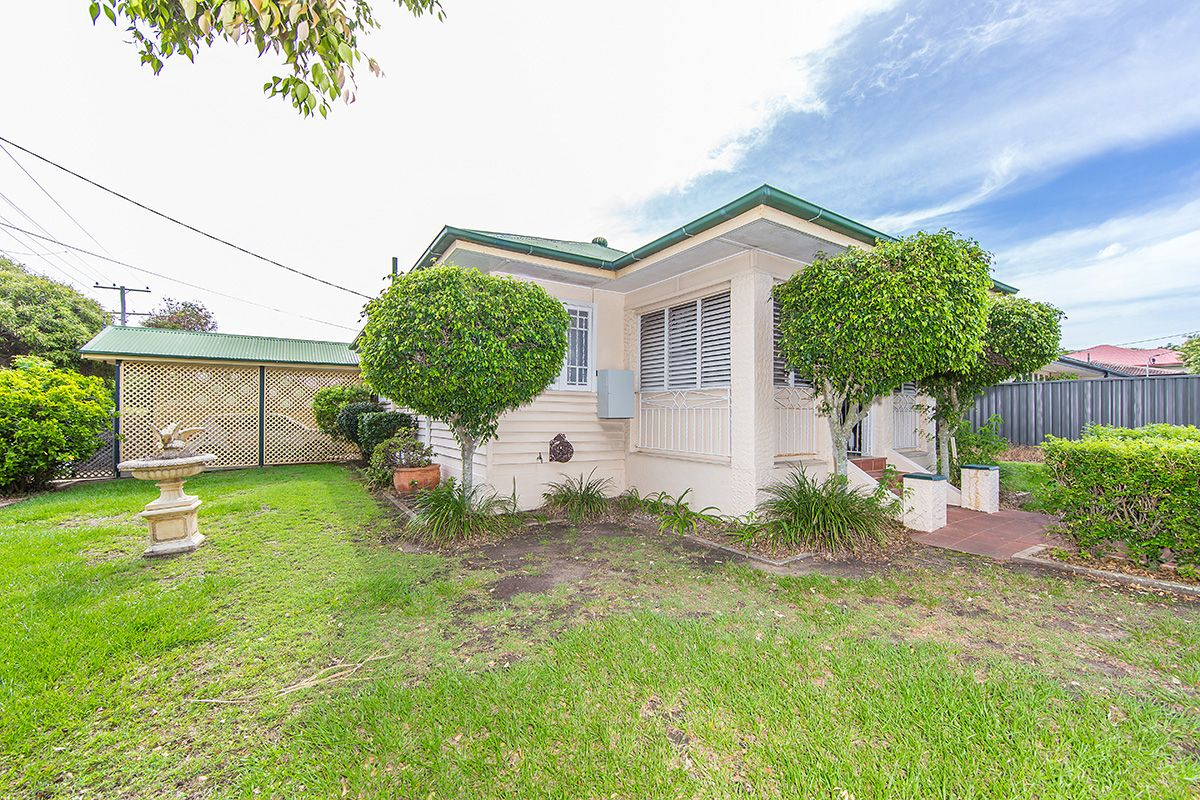 177 Oxley Avenue, Woody Point QLD 4019, Image 2