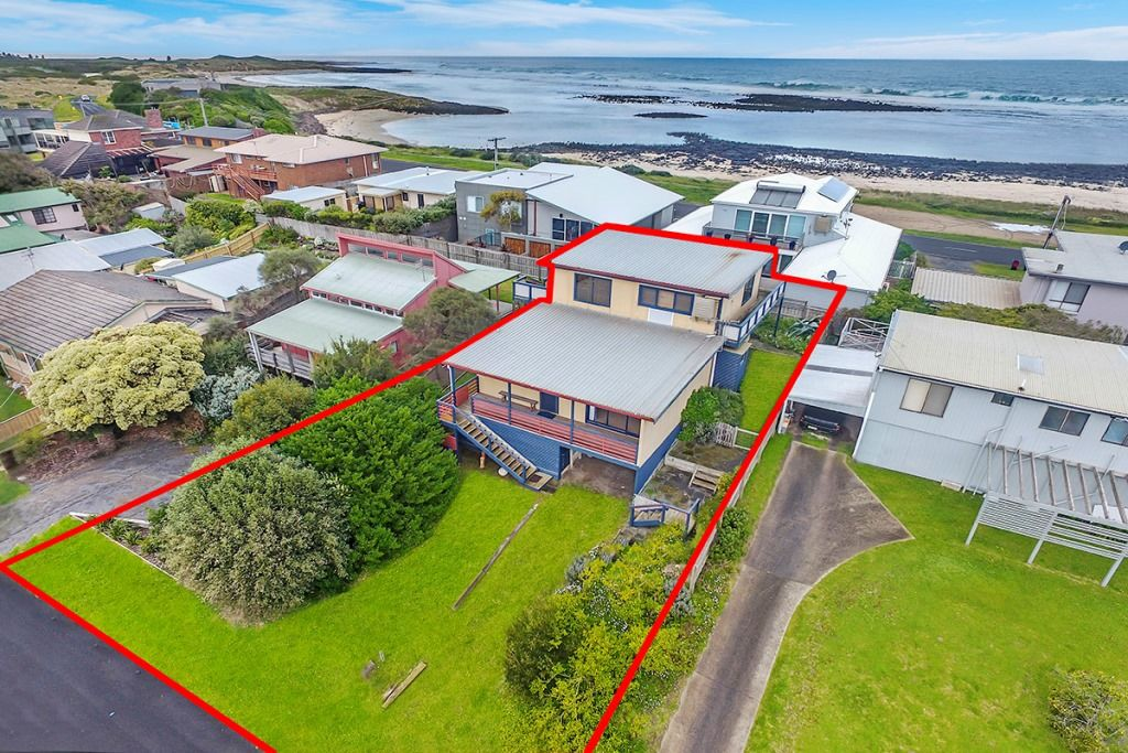 19 Reardon Street, Port Fairy VIC 3284, Image 0