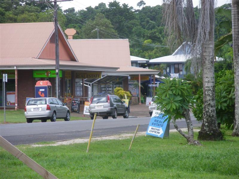 27 Porter Promenade, Mission Beach QLD 4852, Image 0