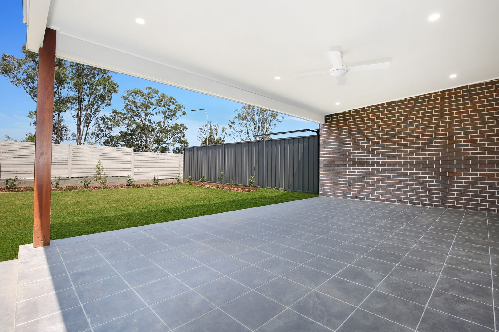 8b Saddleback Crescent, Kembla Grange NSW 2526, Image 2