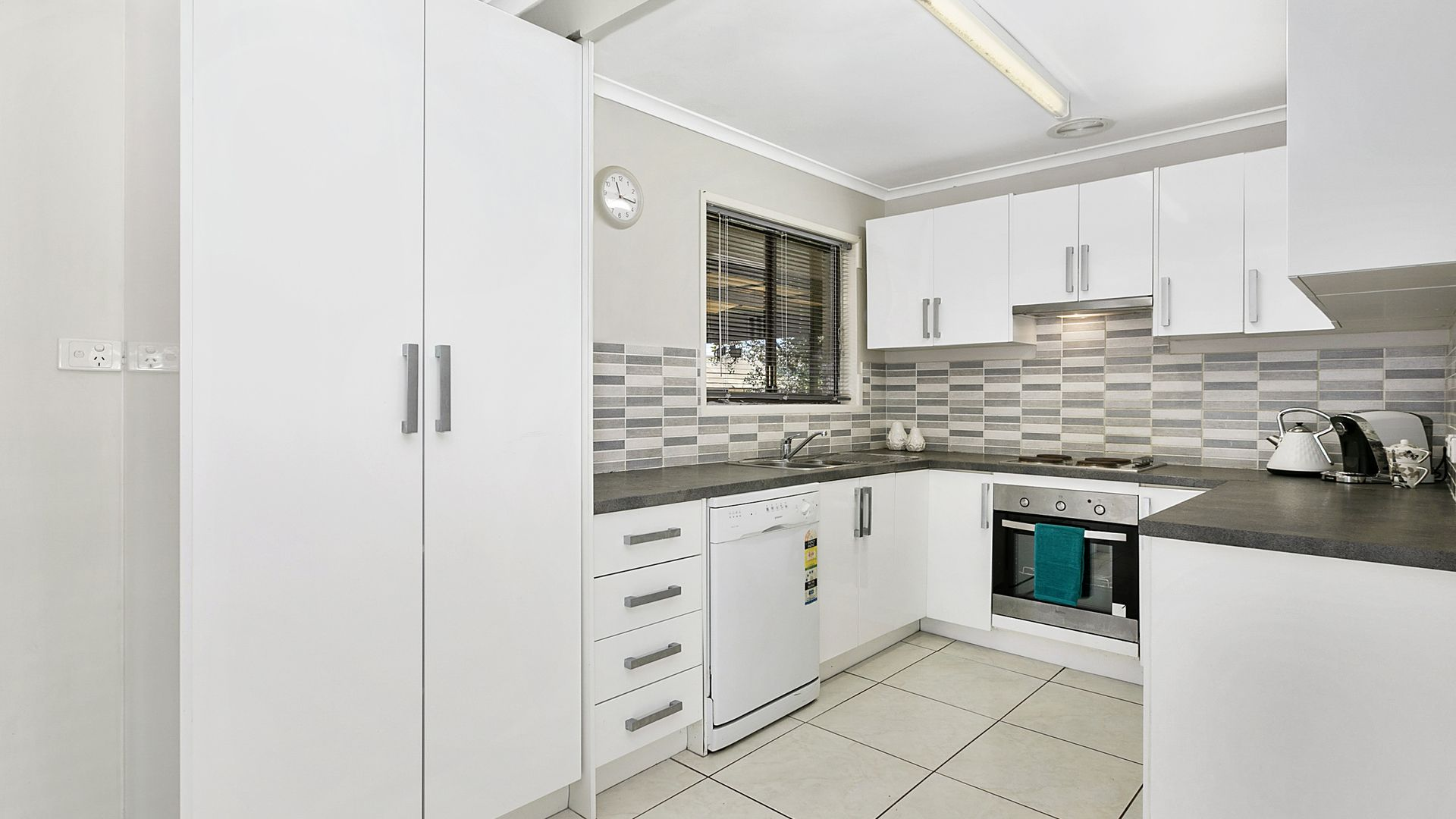 32 Ladybird  Street, Kallangur QLD 4503, Image 2