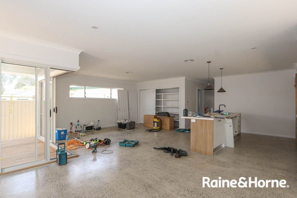 82 Stanley Street, Bathurst NSW 2795, Image 2