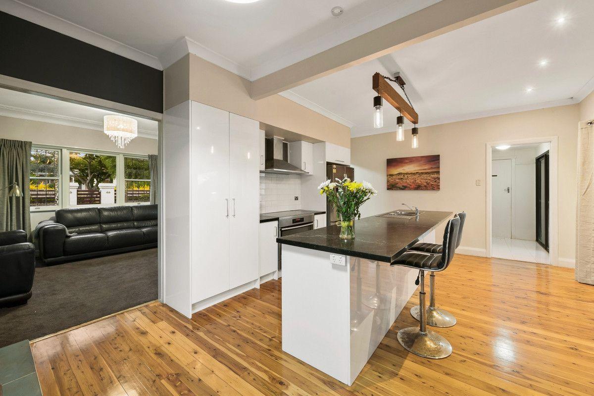 17 Charlotte Street, Newtown QLD 4350, Image 2