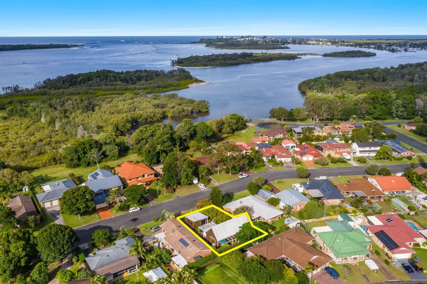11 The Peninsula, Yamba NSW 2464, Image 0