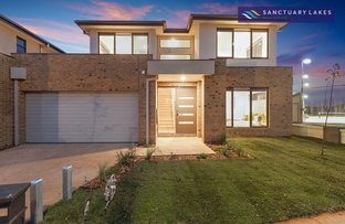 Picture of 10/5 Greg Norman Drive, Sanctuary Lakes VIC 3030
