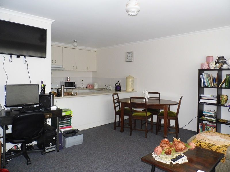 234 COMMERCIAL RD, Morwell VIC 3840, Image 2