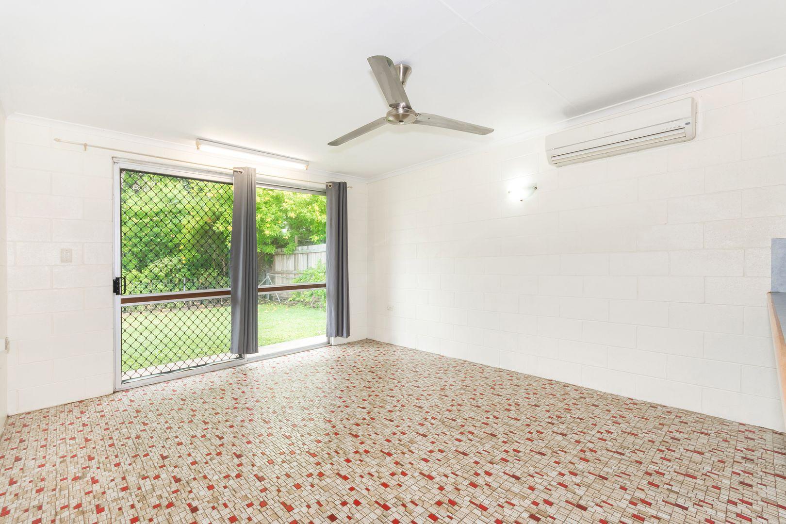 4/94 Cook Street, North Ward QLD 4810, Image 2