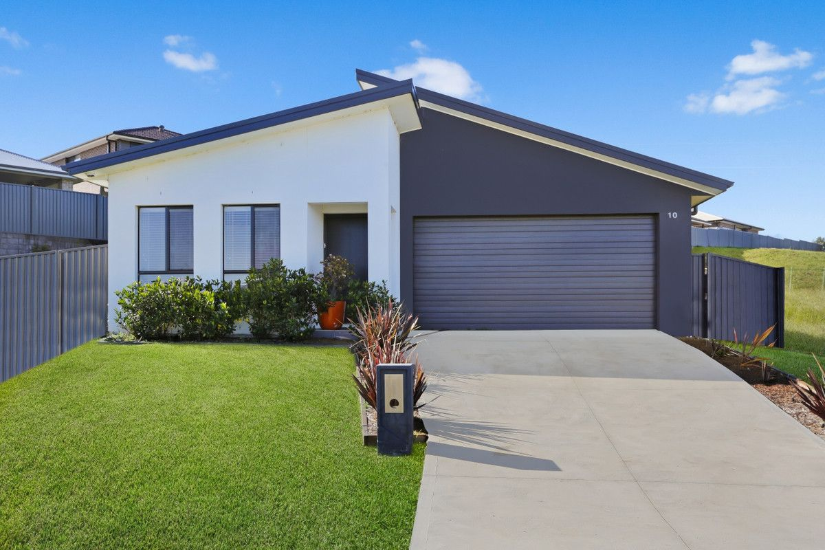 10 Oaklawn Street, Currans Hill NSW 2567, Image 0