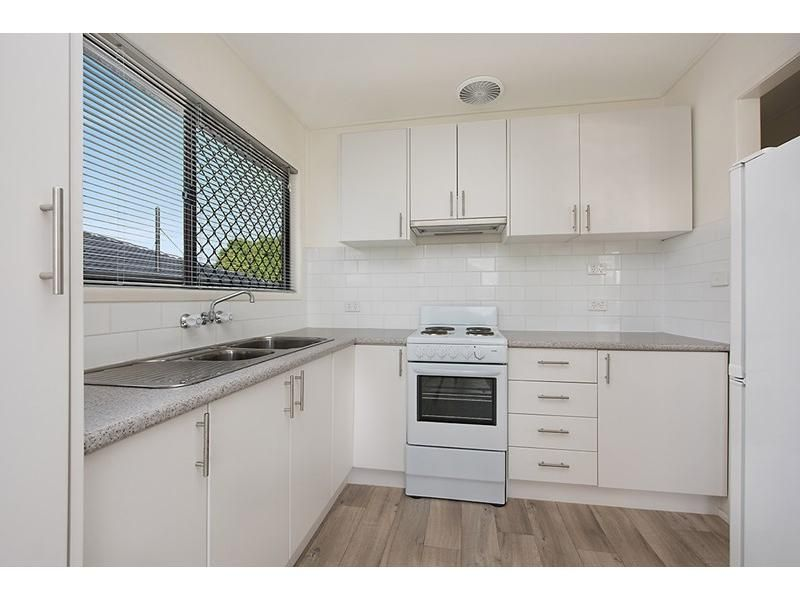 1/10 Wavell Avenue, Golden Beach QLD 4551, Image 2