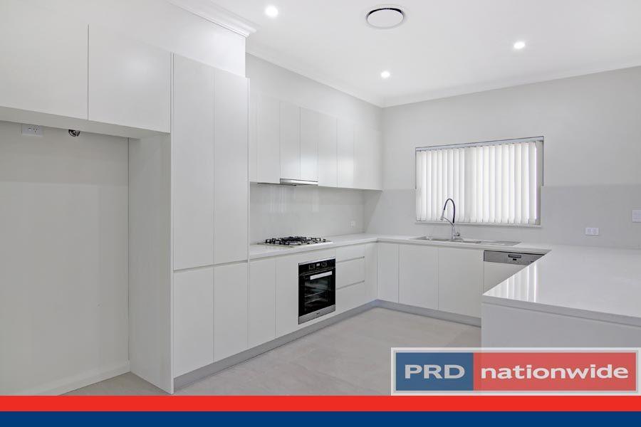3/15 Gungah Bay Road, Oatley NSW 2223, Image 2