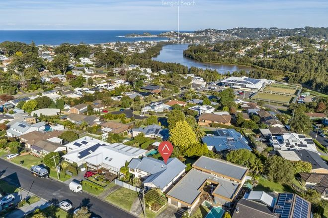 Picture of 54 Hilltop Road, WAMBERAL NSW 2260
