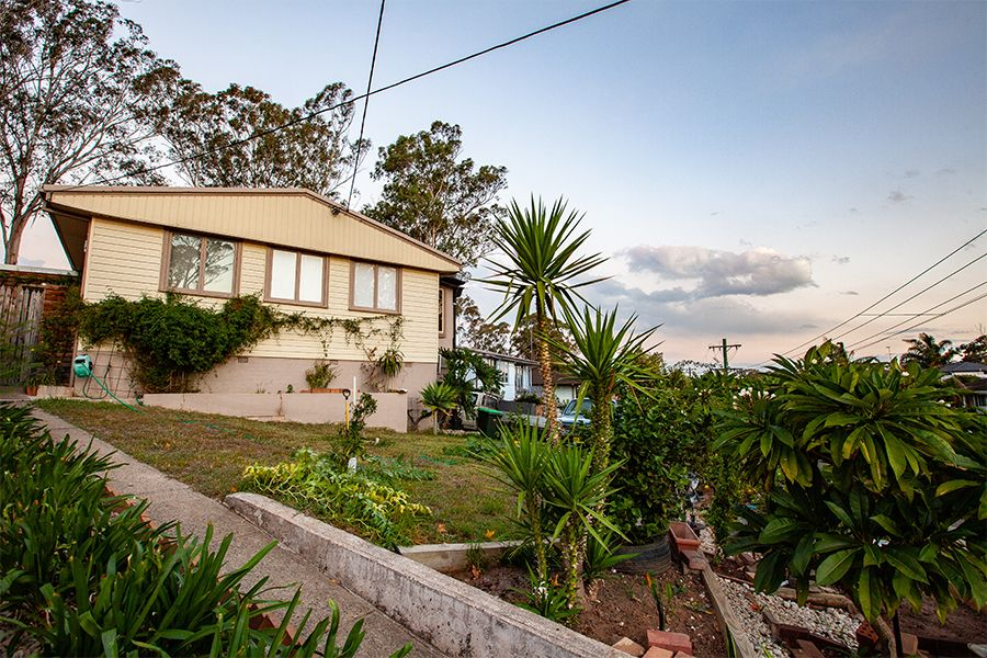 8 Coonong Street, Busby NSW 2168, Image 1