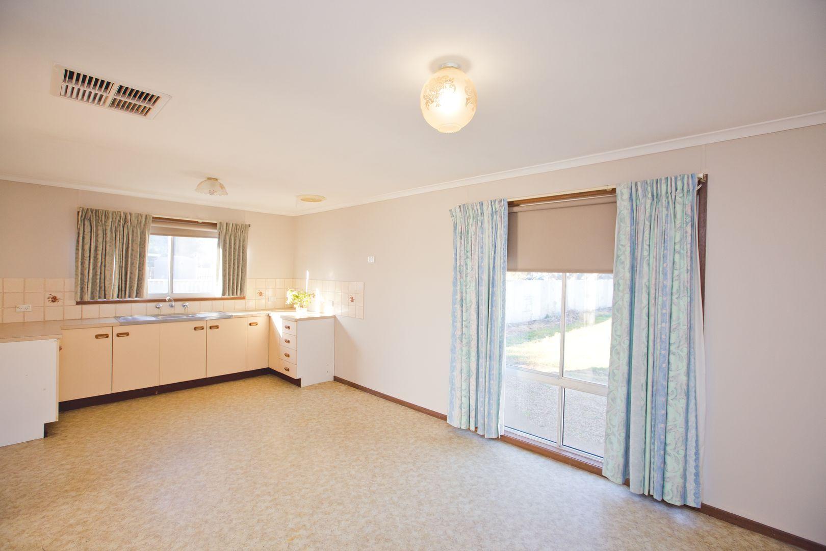20 Boyd Street, Darlington Point NSW 2706, Image 2
