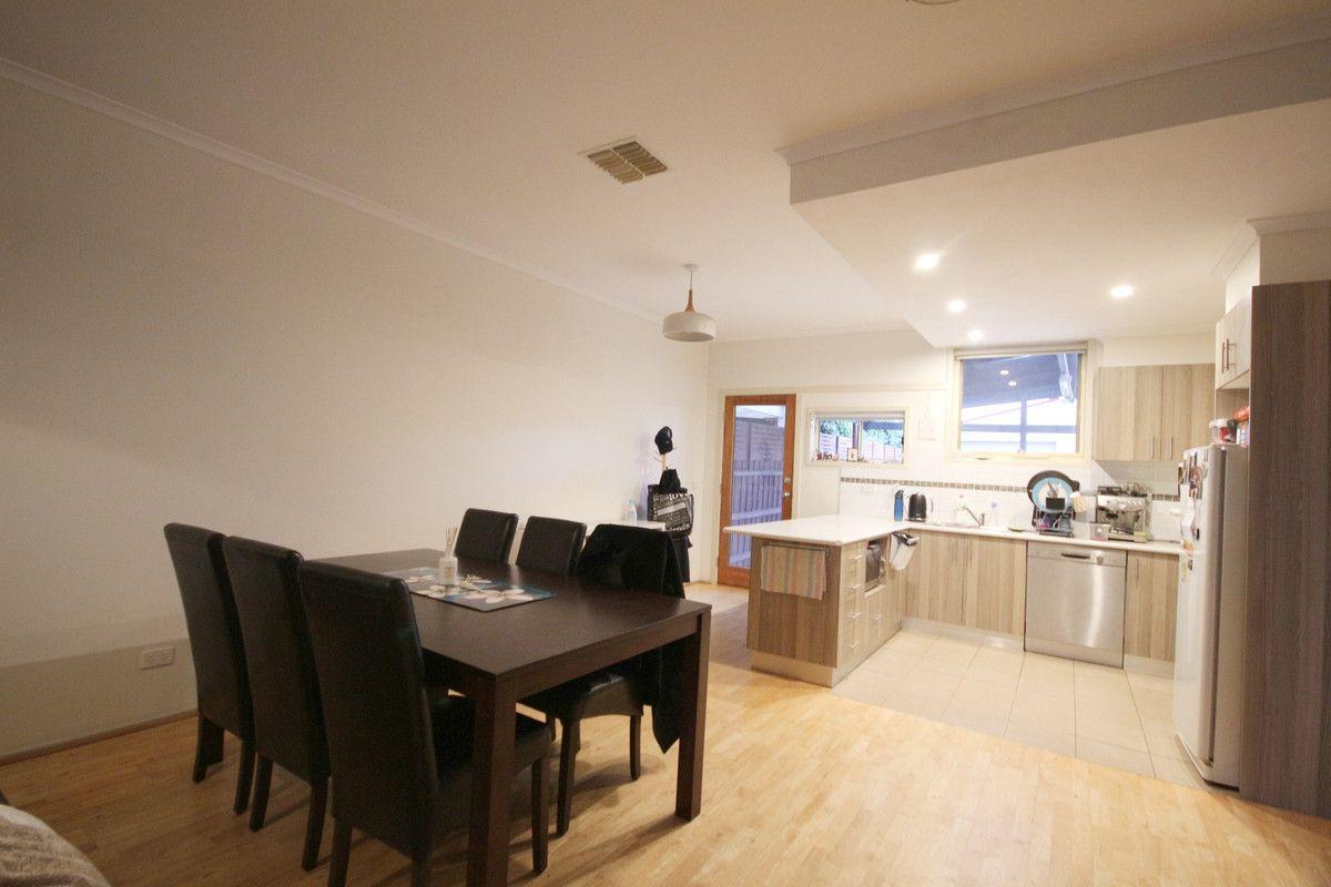 11 Brearley Place, Roxburgh Park VIC 3064, Image 2
