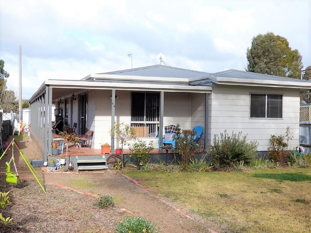 94 Berthong Street, Cootamundra NSW 2590, Image 0