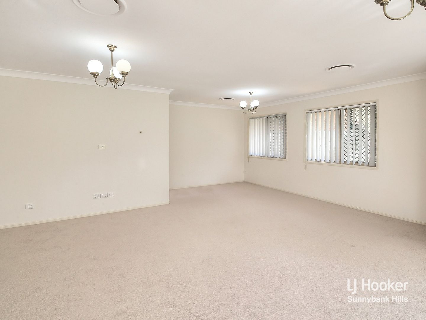 8 Bellflower Place, Calamvale QLD 4116, Image 2