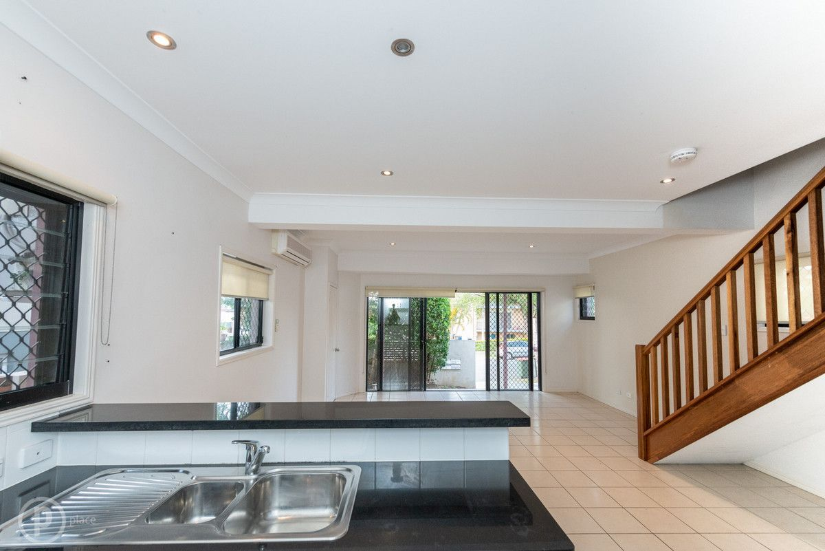 1/141 Chester Road, Annerley QLD 4103, Image 2