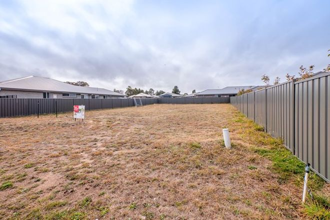 Picture of 23 Holmfield Drive, ARMIDALE NSW 2350