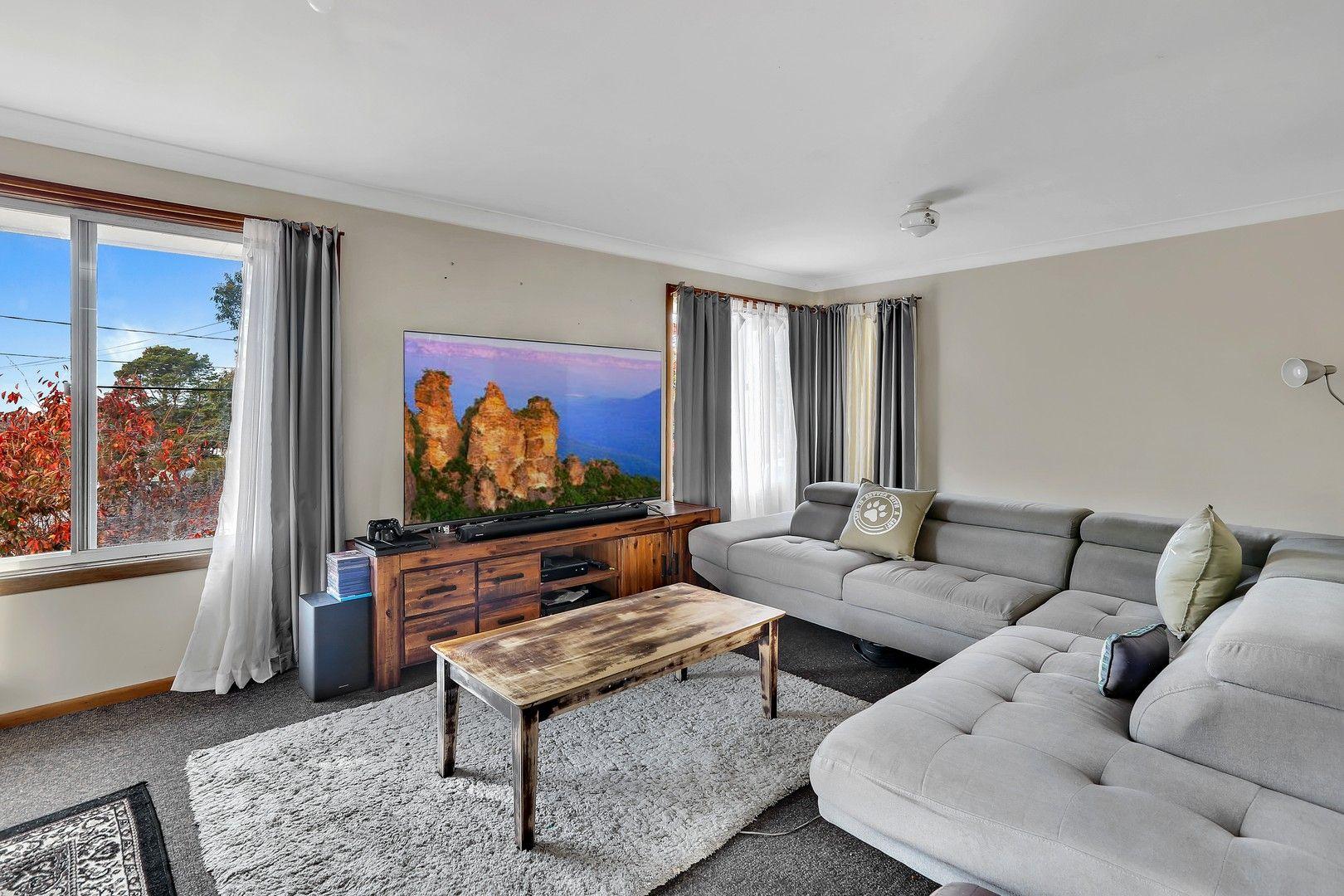 82 Barton Street, Katoomba NSW 2780, Image 0