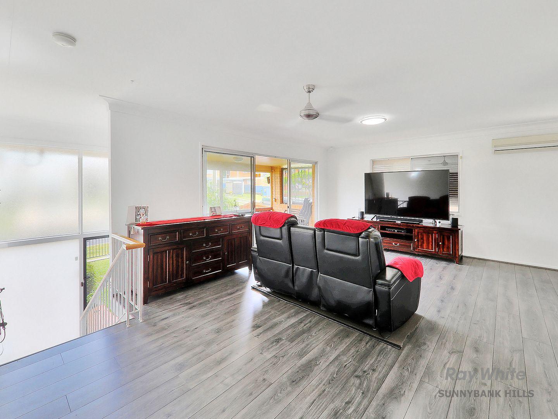 12 Gralunga Street, Mansfield QLD 4122, Image 2
