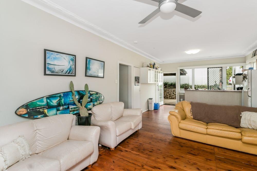 25 Dixon Street, Coolangatta QLD 4225, Image 2