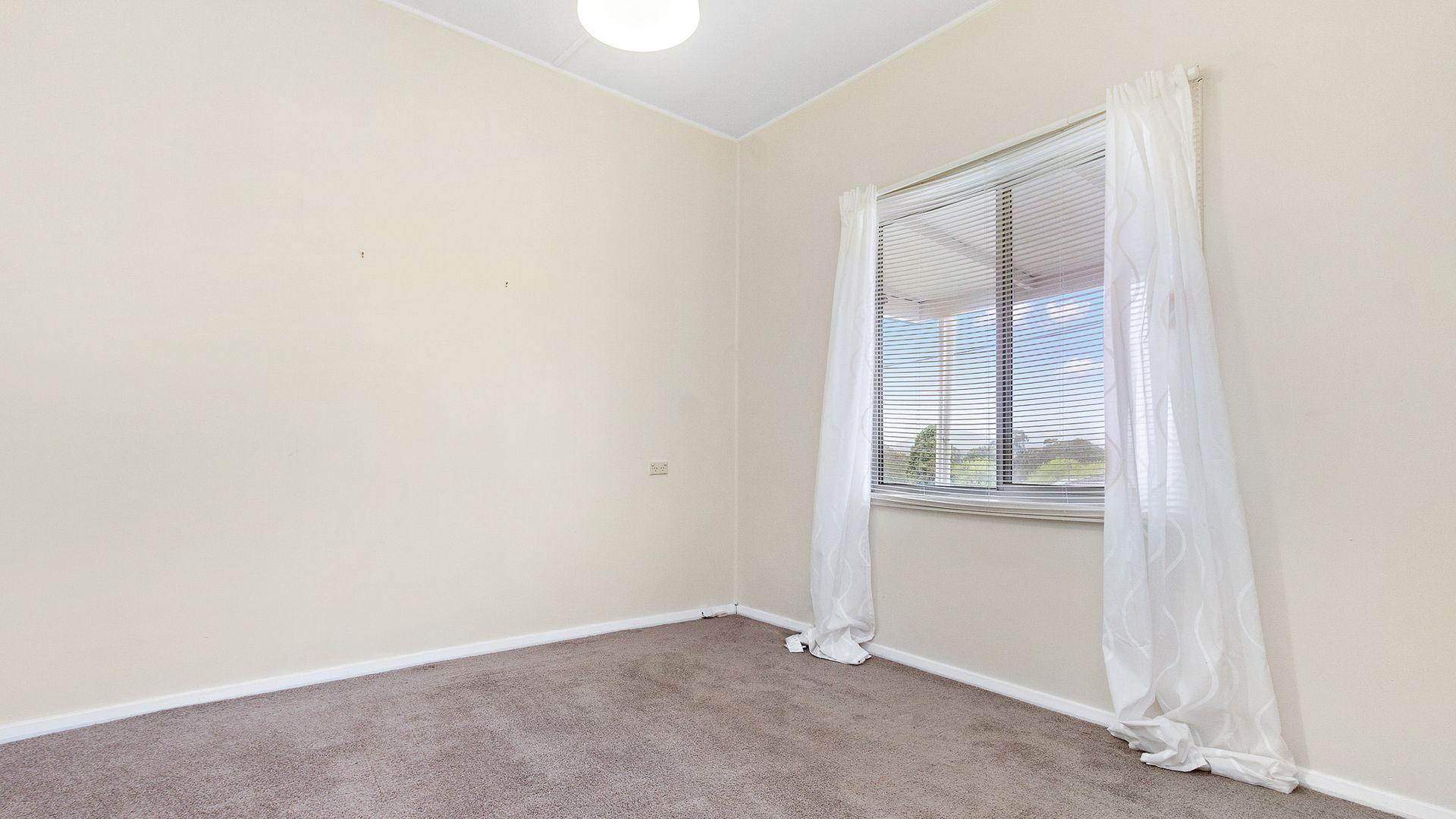 5 Cooma Street, Abermain NSW 2326, Image 2