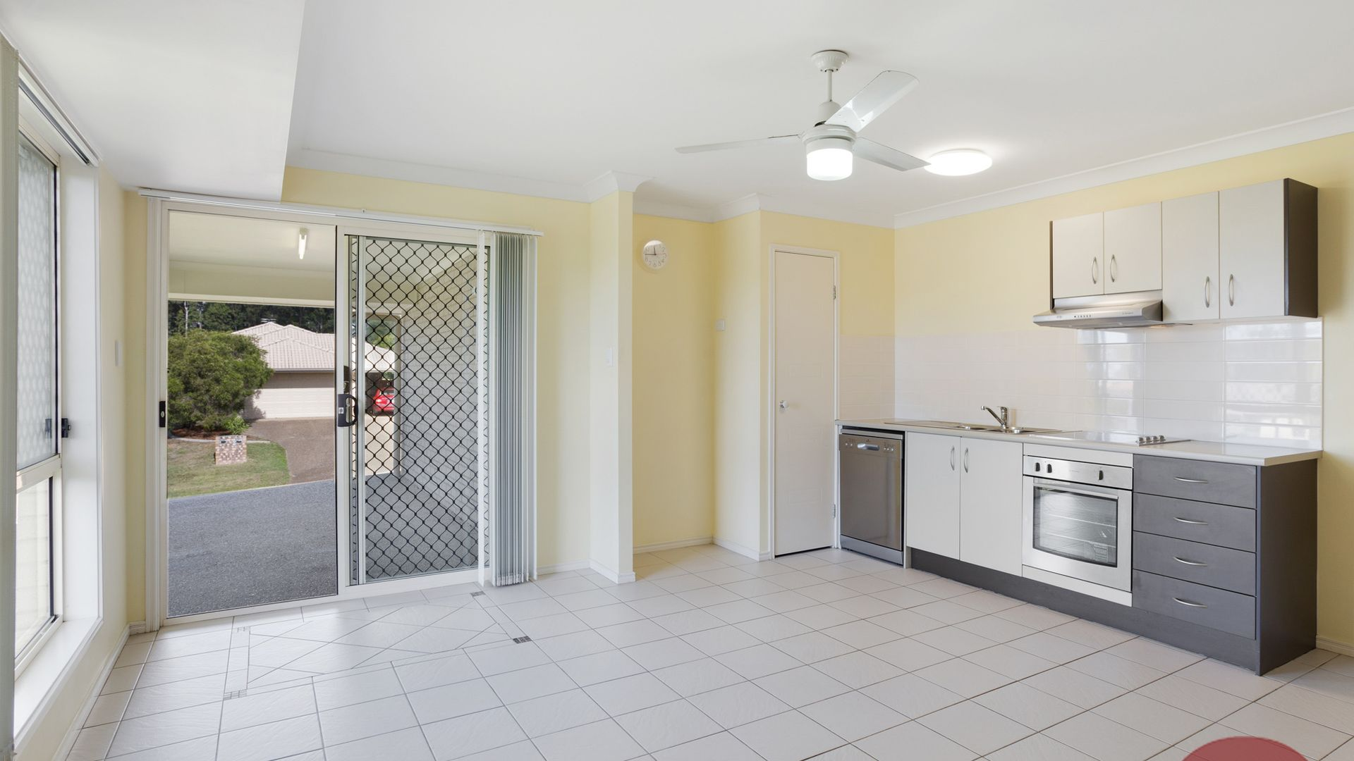 2B Plover Ct, Warner QLD 4500, Image 2