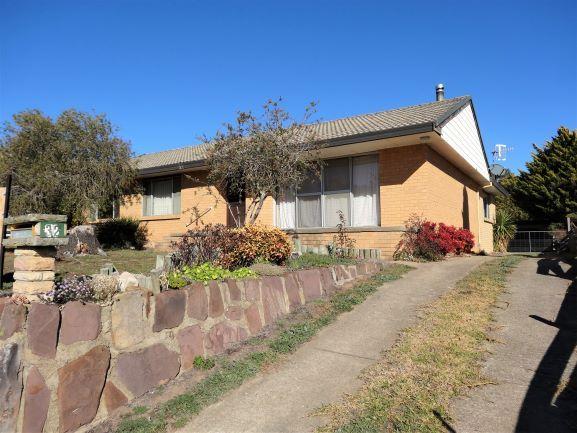 32 Burton Street, Bombala NSW 2632, Image 0