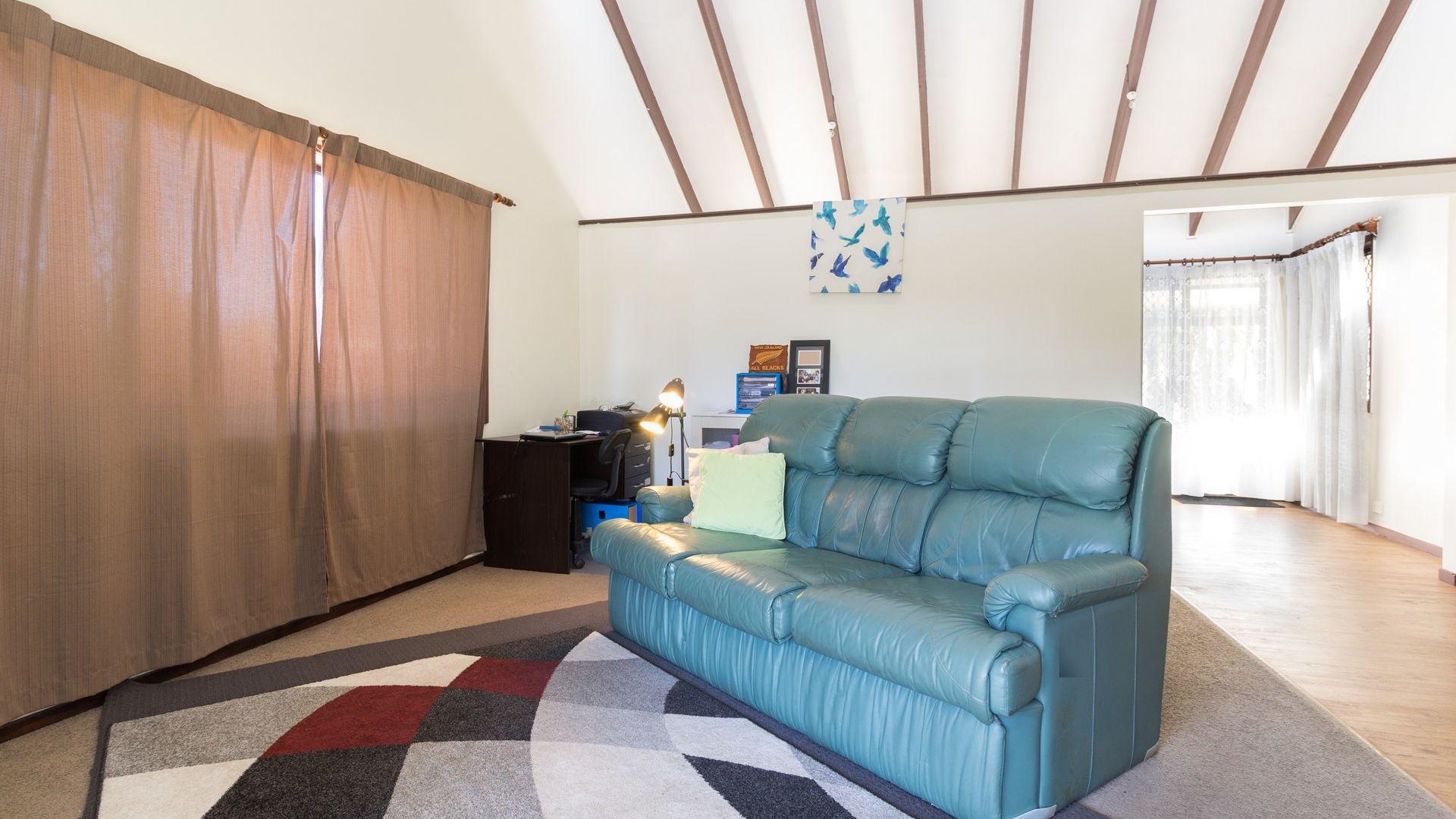 57 Estramina Road, Regents Park QLD 4118, Image 1