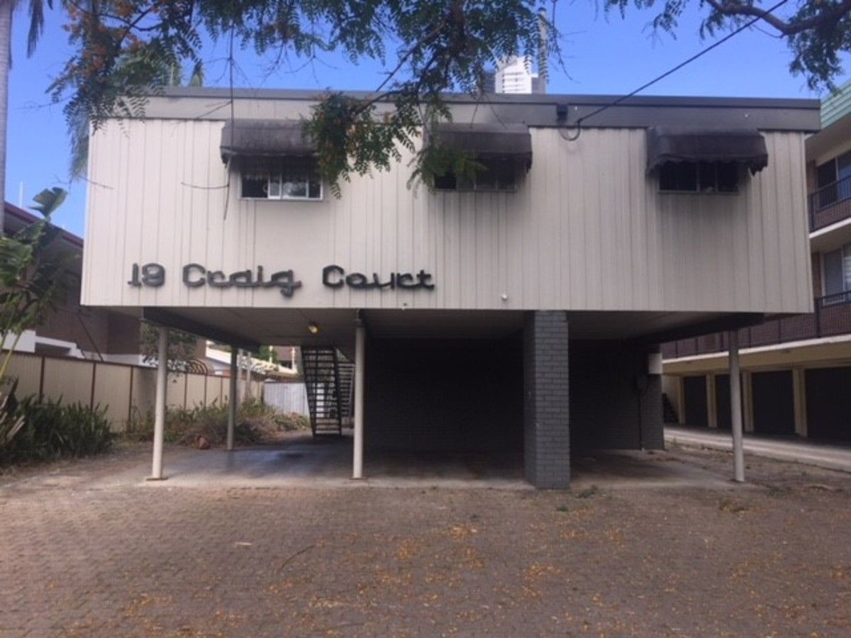 1/19 Darrambal Street, Chevron Island QLD 4217, Image 0