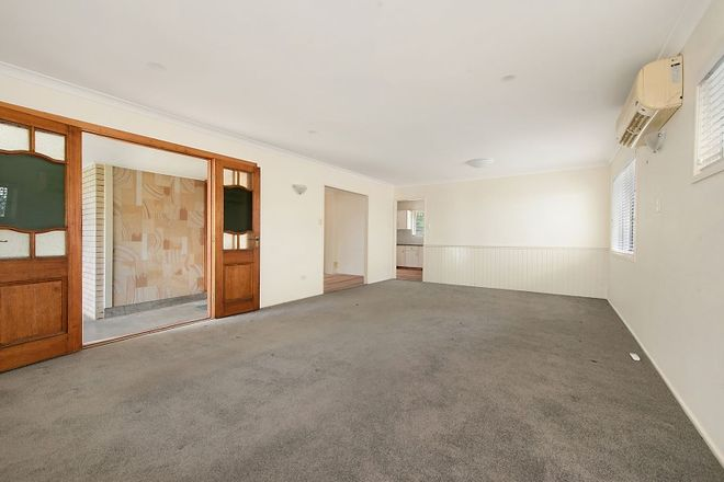 Picture of 11 Chant Street, BROADBEACH WATERS QLD 4218