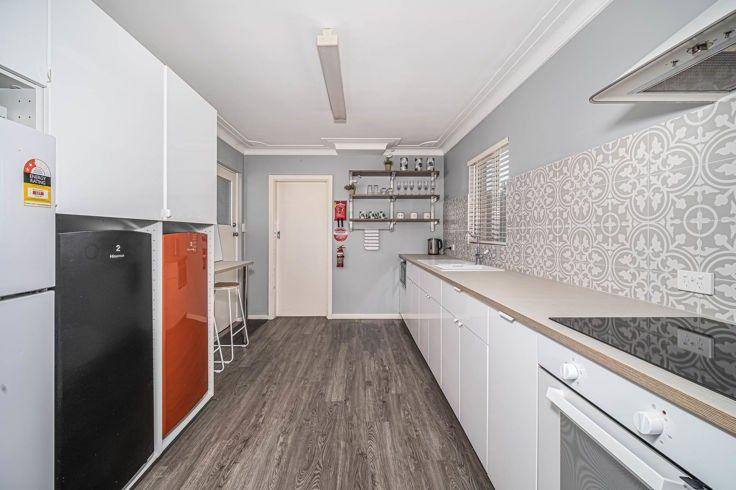 Room 3/7 Helen Avenue, Armidale NSW 2350, Image 2