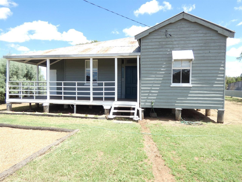 64 Racecourse Road, Chinchilla QLD 4413, Image 1